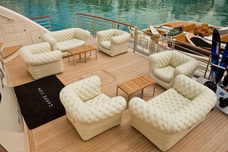 Noleggio accessori paller noleggio di accessori e teli for Coperture per divani