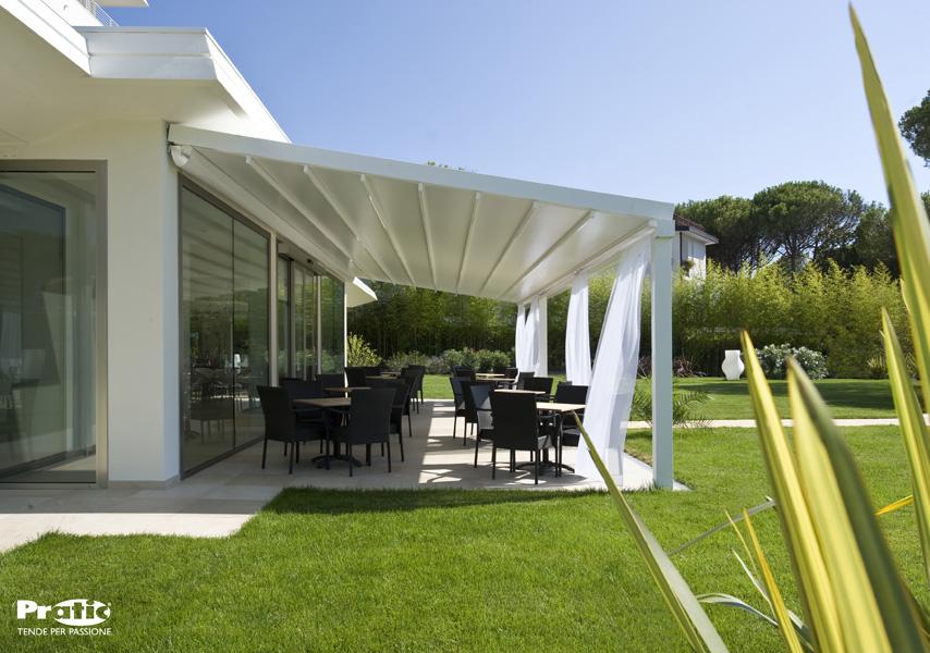 Tende da sole trento paller pergole in alluminio della serie tecnic - Tende impermeabili da esterno ...